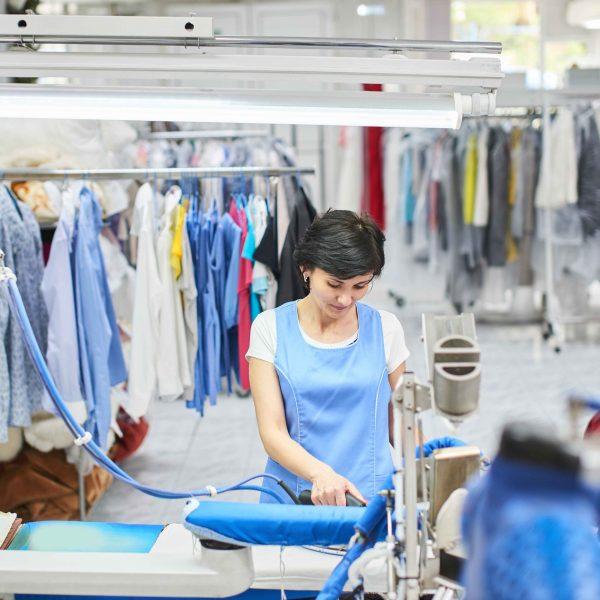 Planchado y arreglo de ropa en alojamientos 90 horas - Planchado de ropa ...